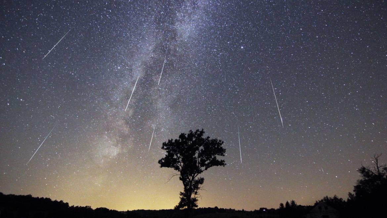 Perseid Meteor Shower | Douche annuelle de météorite d'août