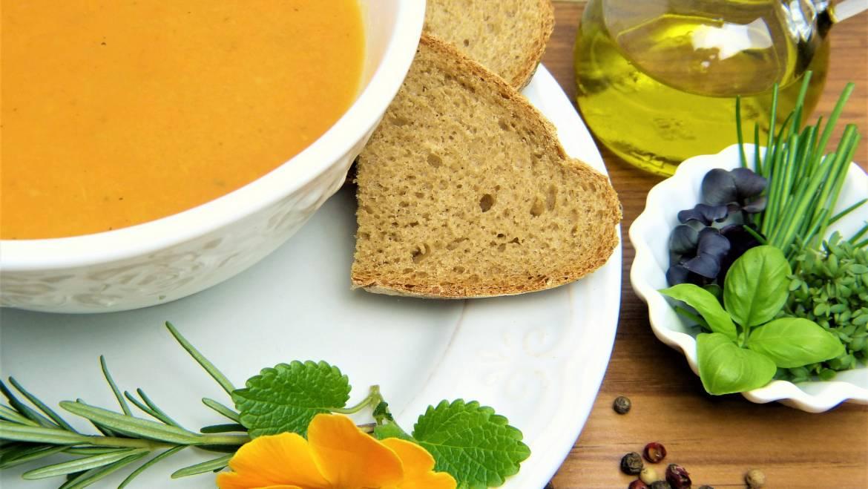 Les soupes riches en légumes peuvent servir de stimulants de santé à base de plantes