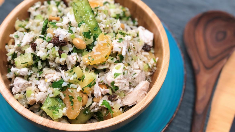 Salade de poulet avec riz, orange et pois mange-tout Recette