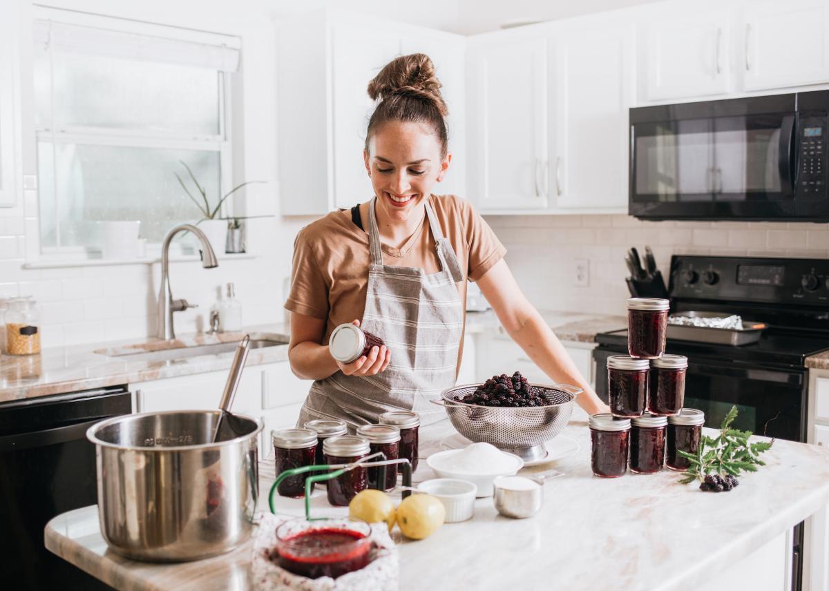 Mise en conserve au bain-marie: guide du débutant étape par étape et recettes