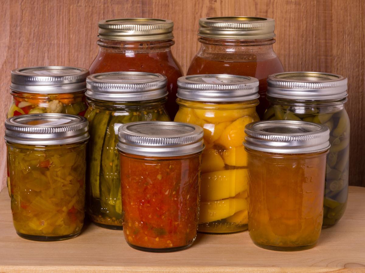 Mise en conserve pour les débutants: comment mettre de la nourriture à la maison