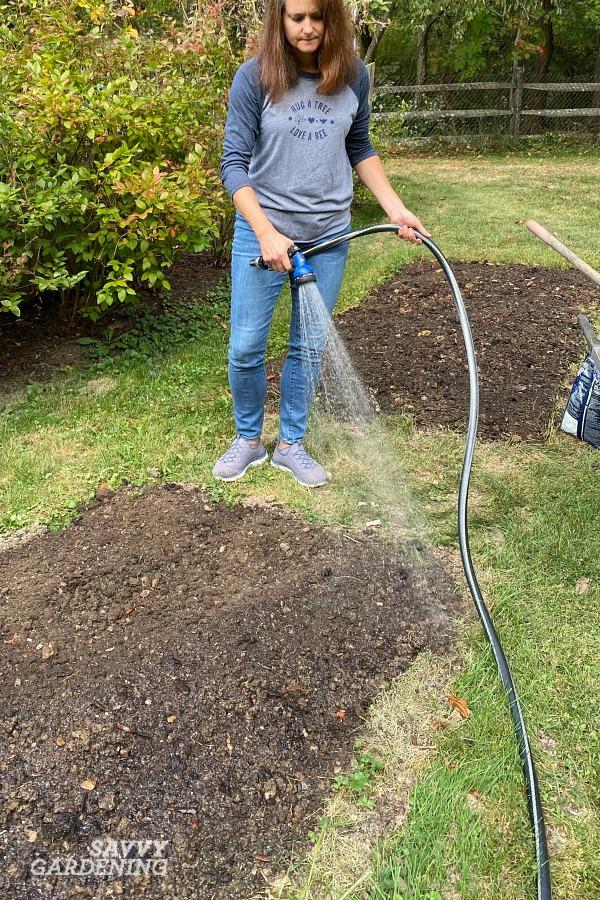 Comment planter et faire pousser de l'herbe à gazon
