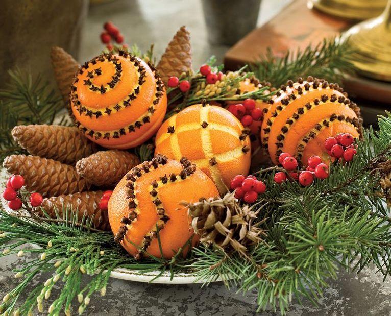 Comment faire des boules de pomander: des pomandres d'orange et de girofle