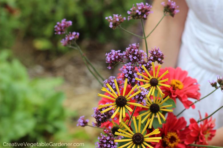 Jardinier créatif: utiliser des fleurs pour créer un magnifique potager