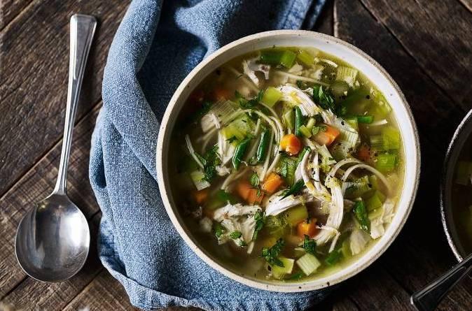 Recette de soupe à la crème de poireaux et aux vermicelles