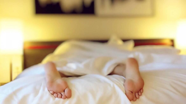 Aides au sommeil naturelles pour l'insomnie, la privation de sommeil et le ronflement